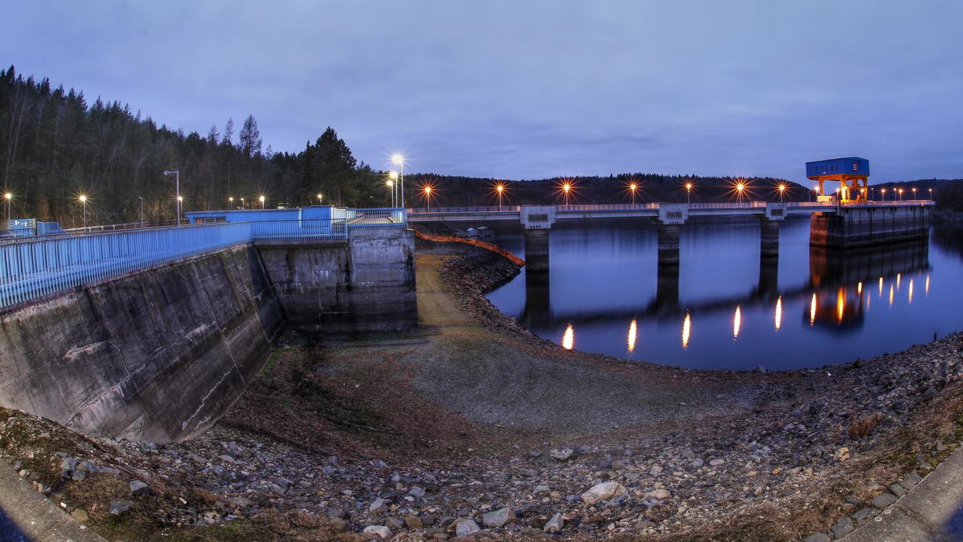 Málo vody Dalešická přehrada II
