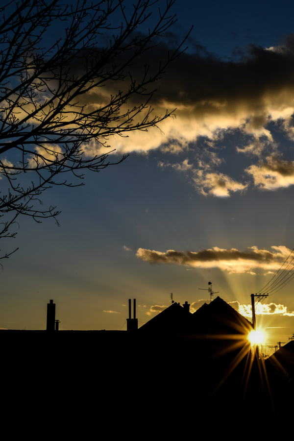 Západ slunce ve městě