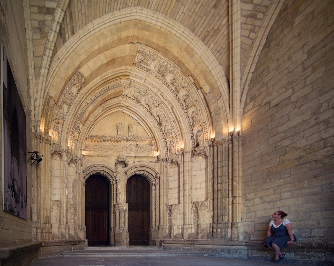 Avignonské střípky (10): Portály Papežského paláce