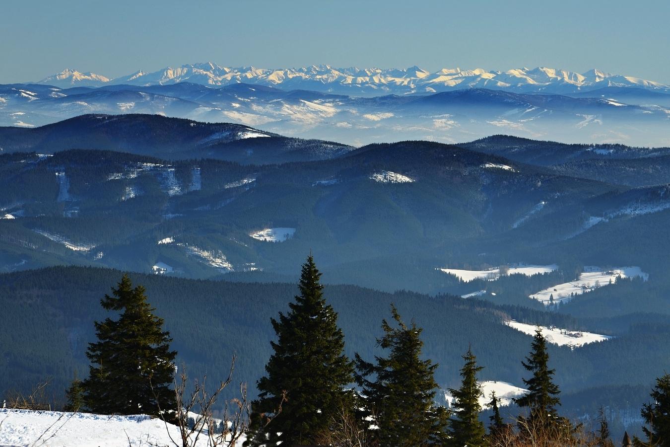 Lednový pohled z Lysé hory