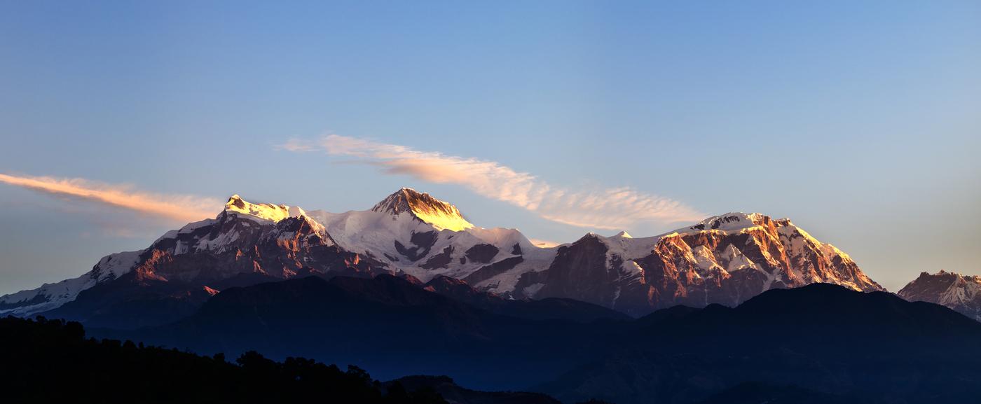 Annapurny v ranním Slunci
