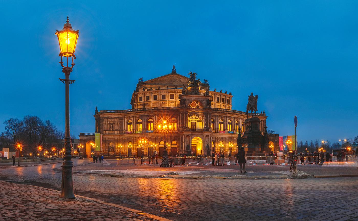 Semperoper, Dresden Opera Theater