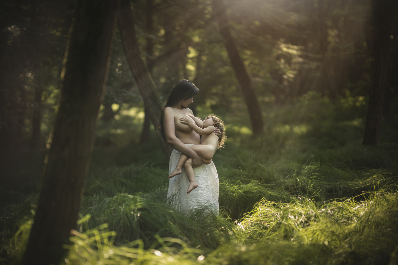 Maternity-strenght of nature