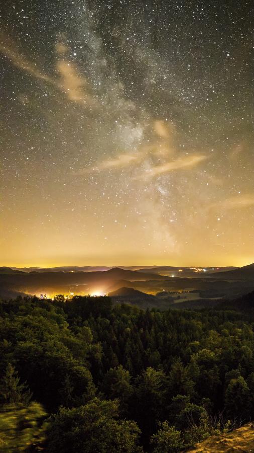 Noc v Českosakém Švýcarsku
