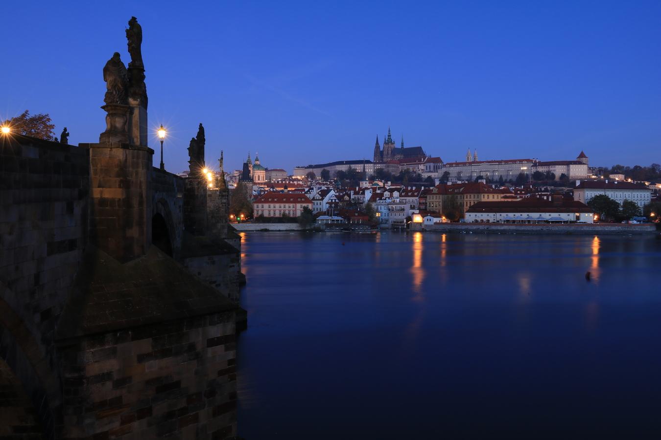 Svítání v Praze
