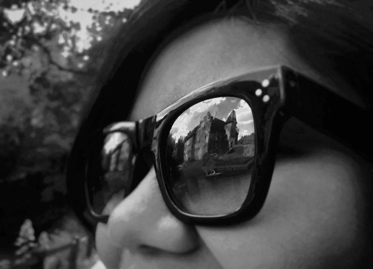 Červená Lhota v brýlích