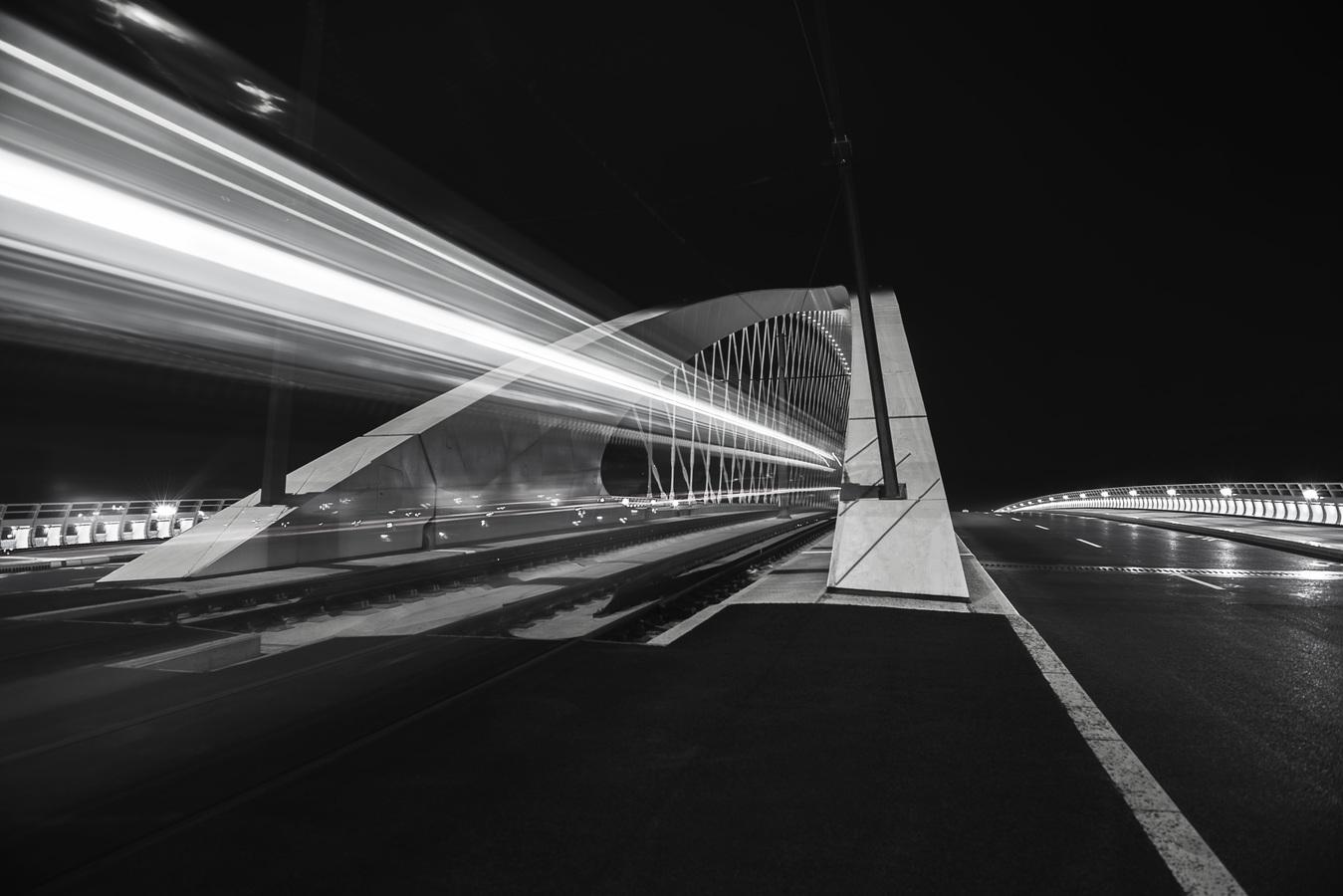 Trojský most v akci