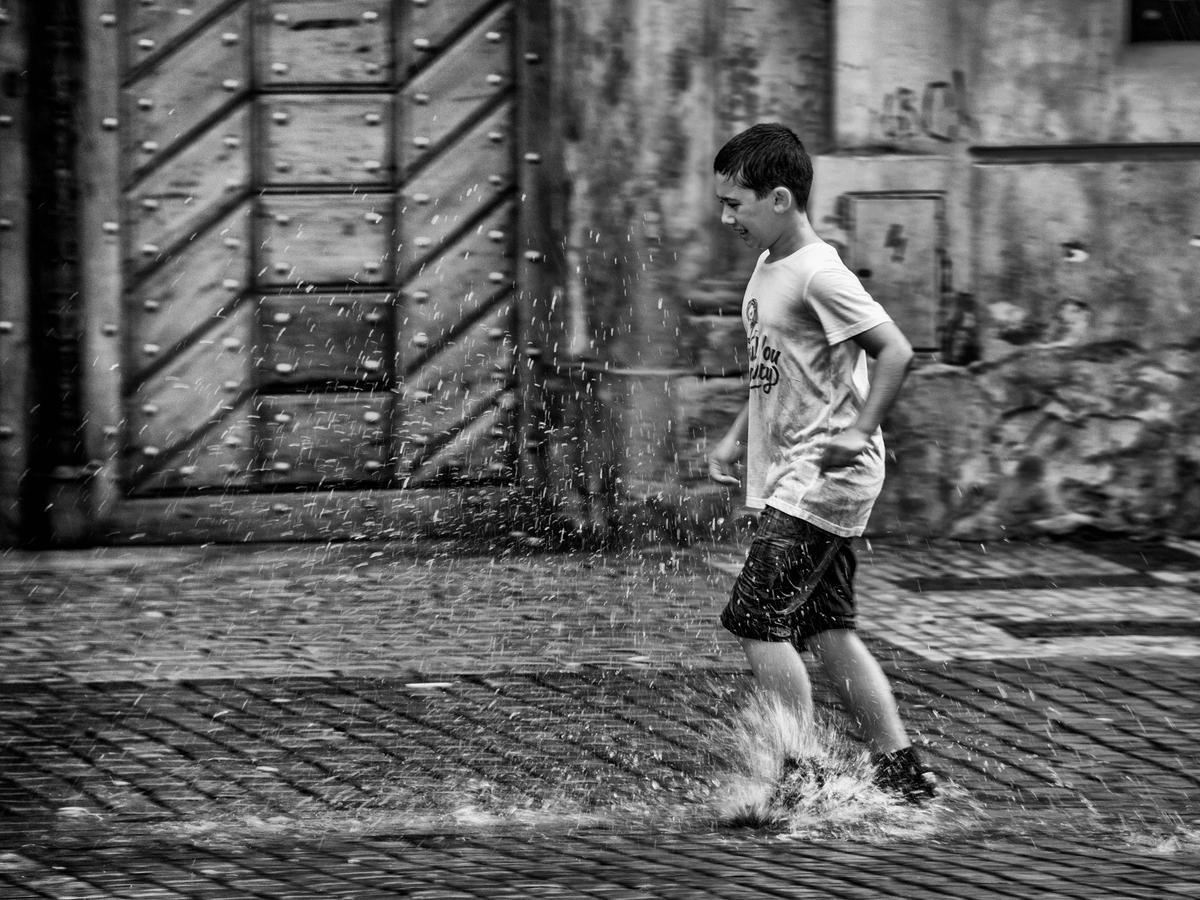 v slzách deště