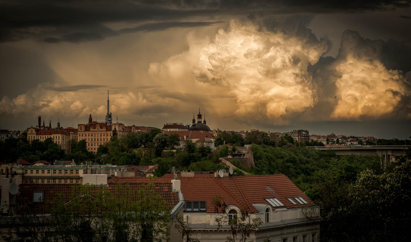 Oblaka nad Prahou