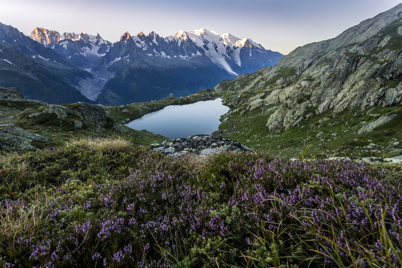 První paprsky na Mont Blancu