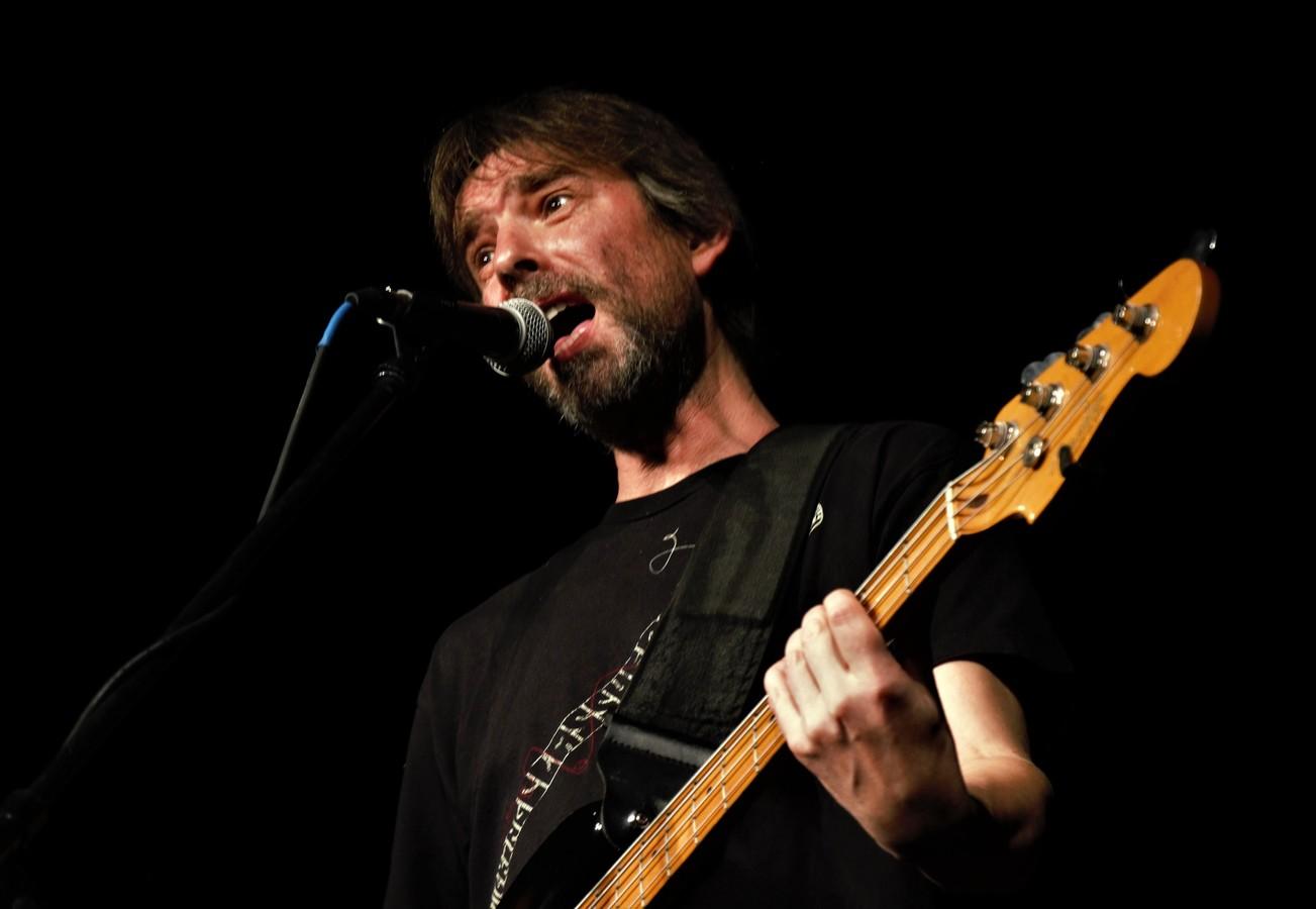 Baskytara : Martin Štec.