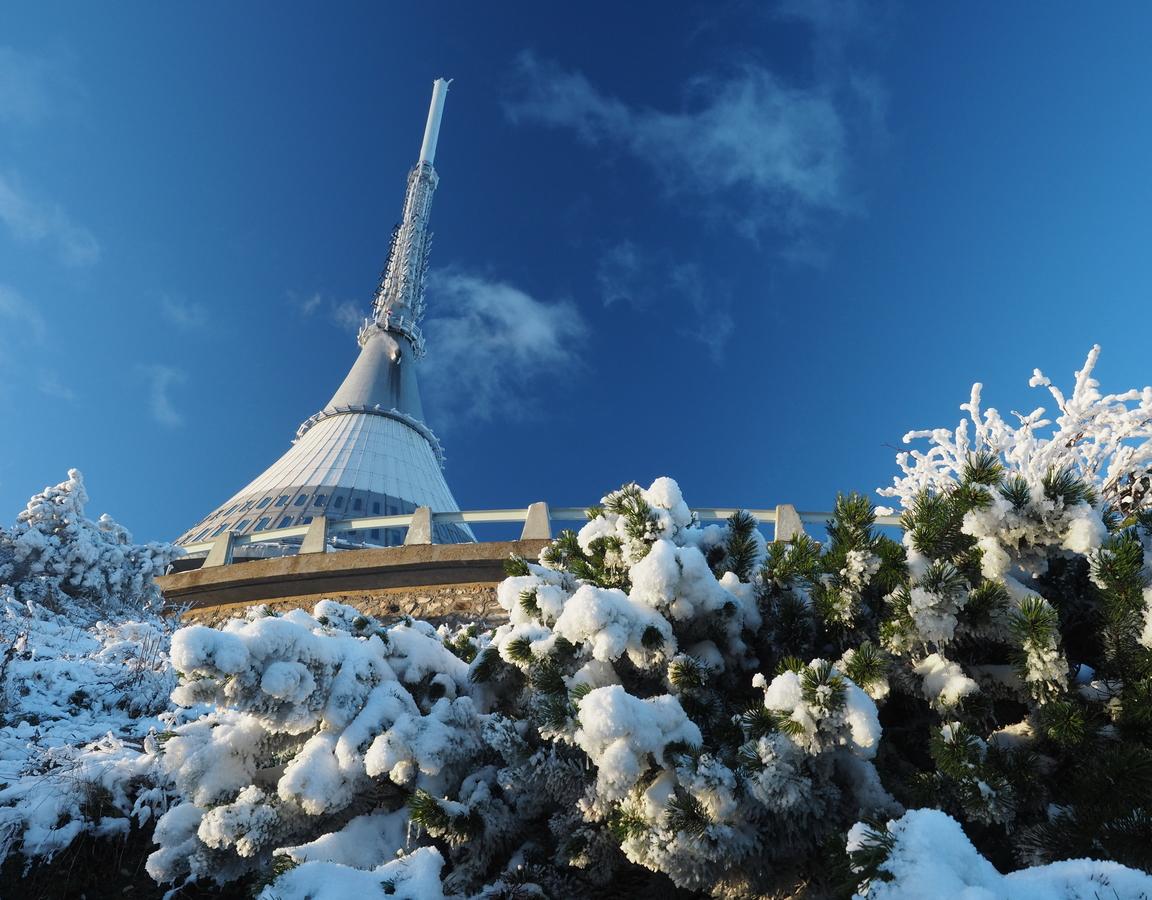 Kousek pod vrcholkem v zimě, tedy na podzim ;)