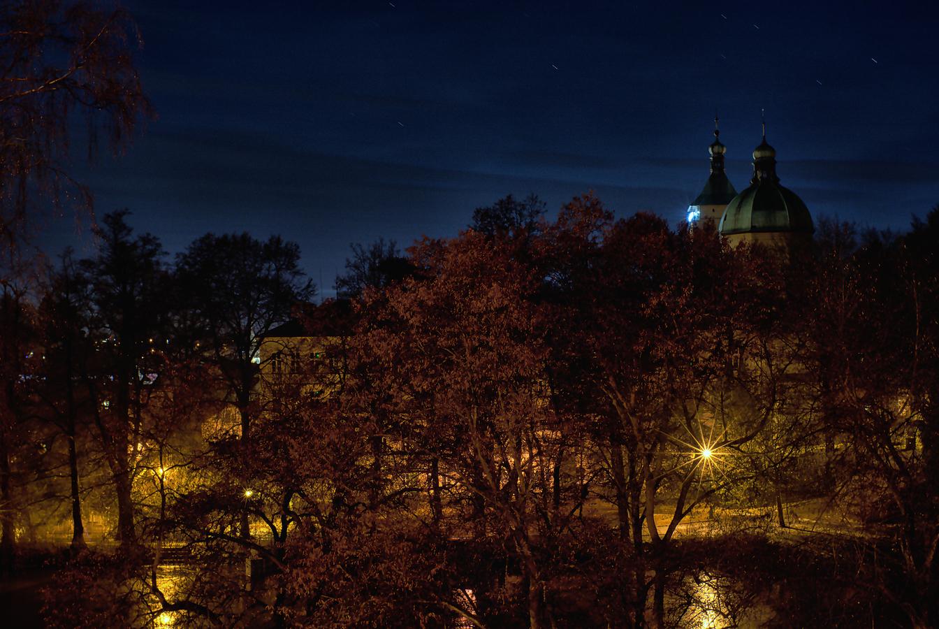 Světla v parku