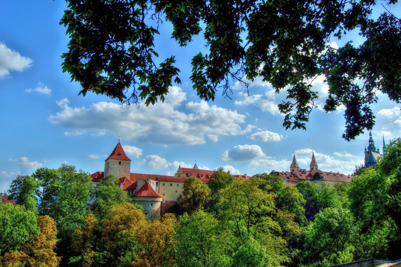 Pohled na Pražský hrad ze zahrad