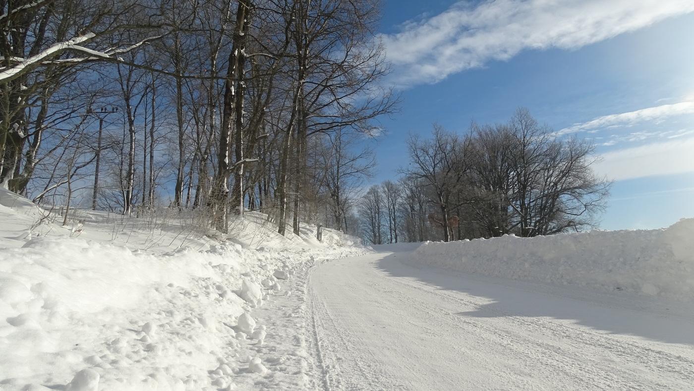 Cestou se zimní přikrývkou