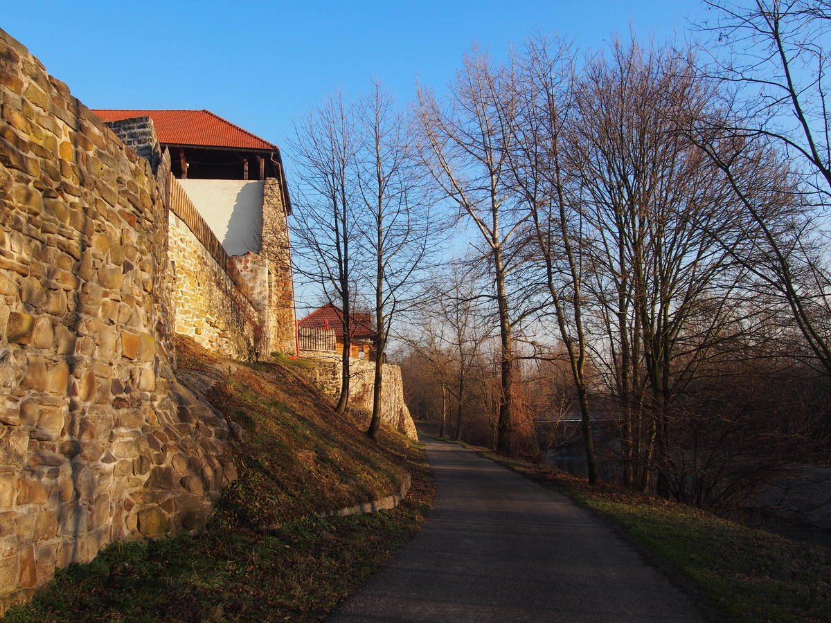 Slezskoostravský hrad  III