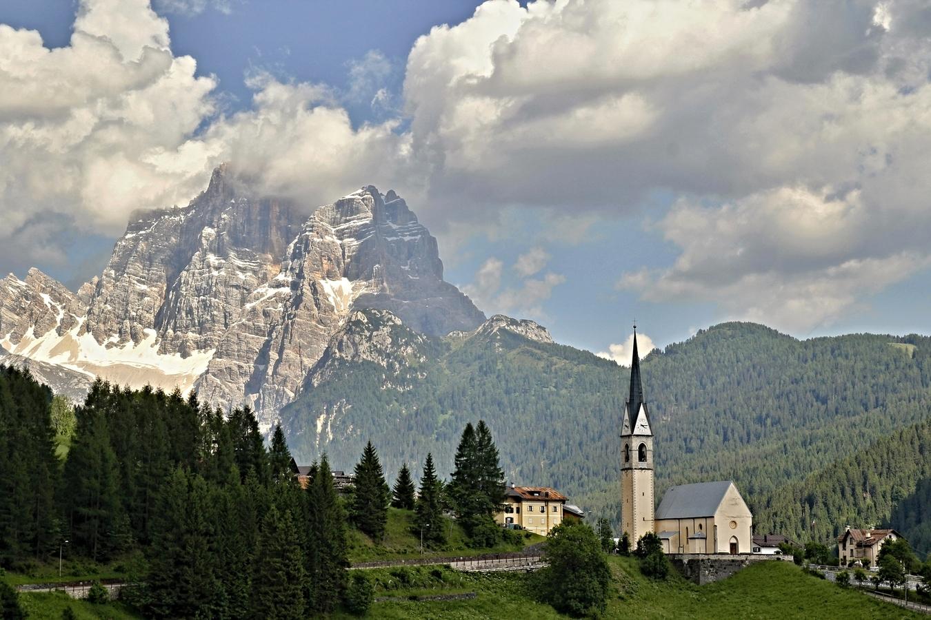 Dolomity - cestou na Passo Fedaia