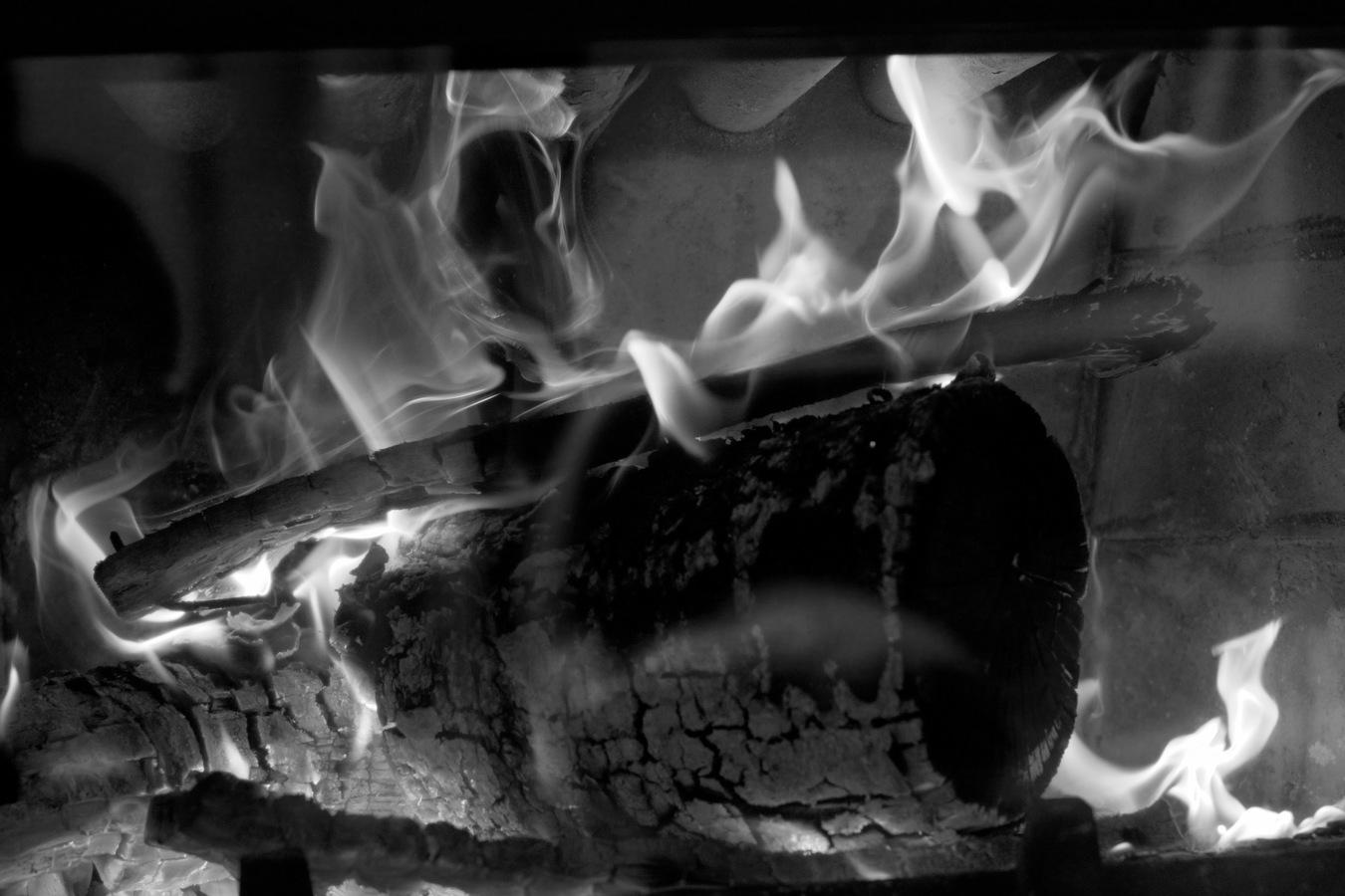 lhostejnost plamene