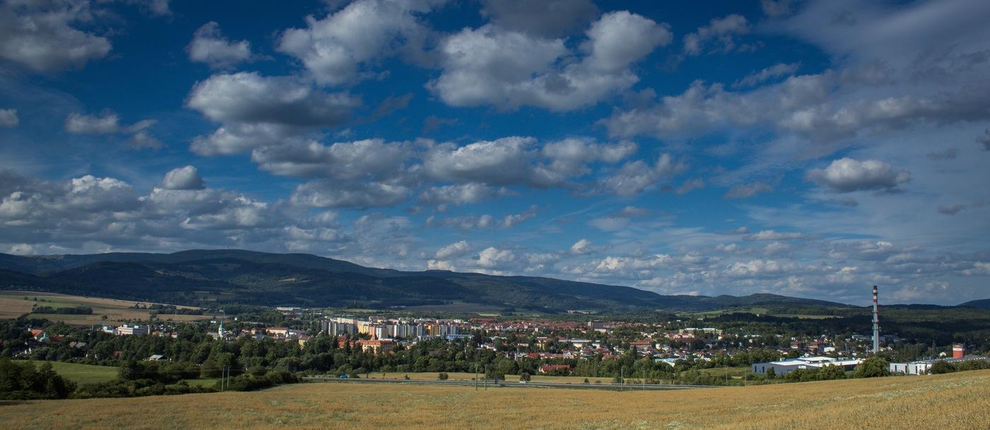 Město v údolí ...