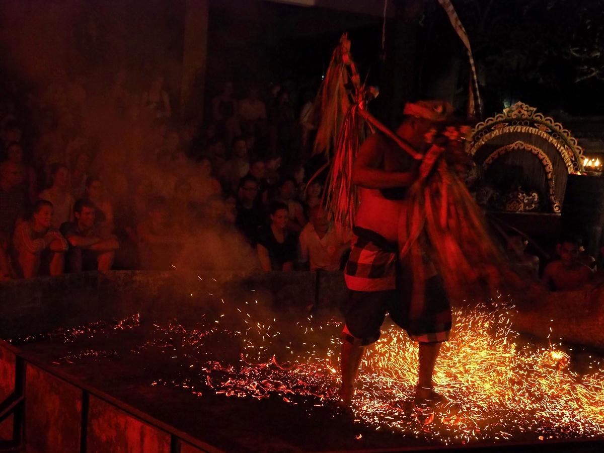 Tanec v ohni