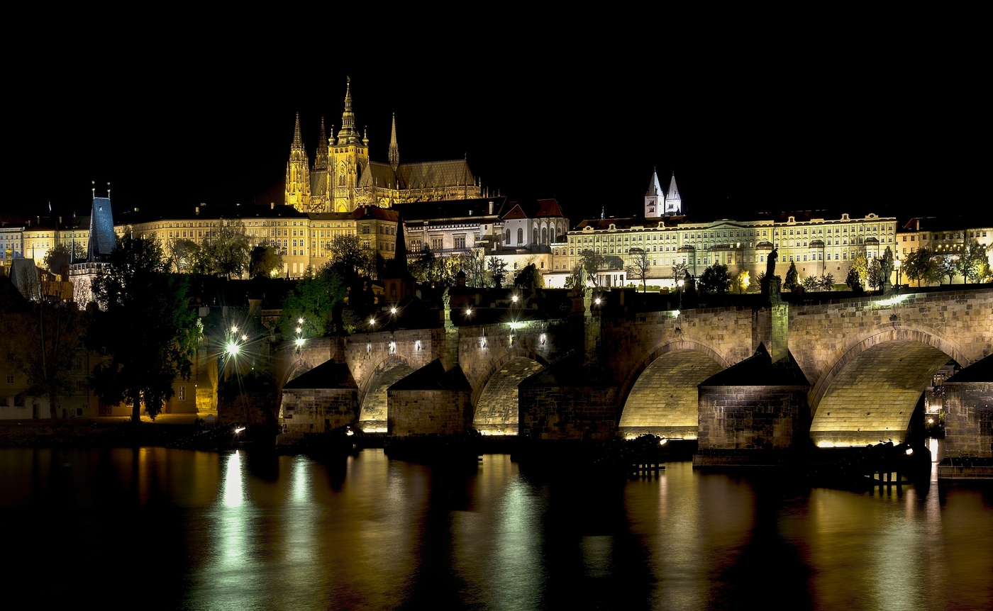 Pražský Hrad s Karlovým mostem II
