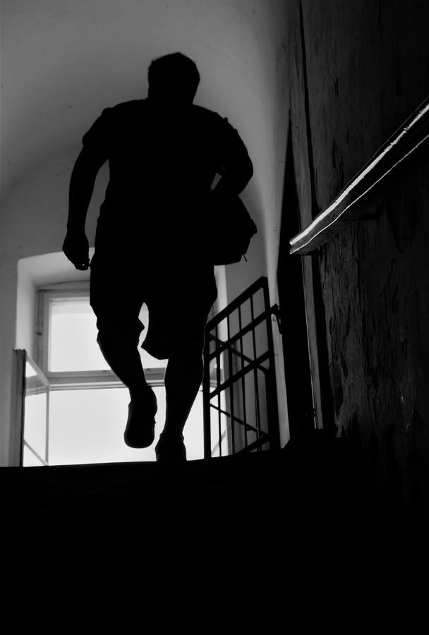 schod za schodem stoupá výš....