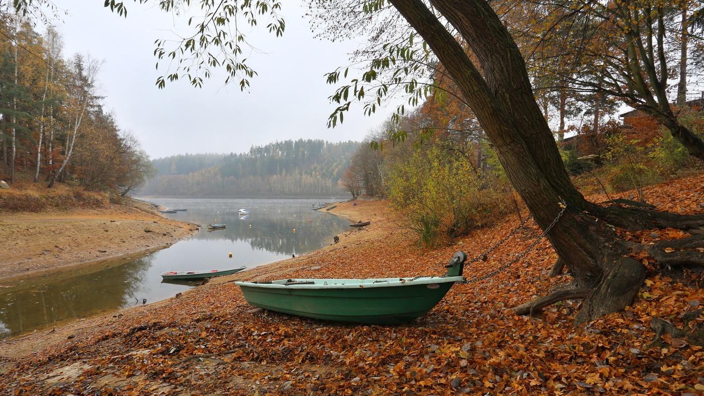 Malo vody Dalešicka přehrada
