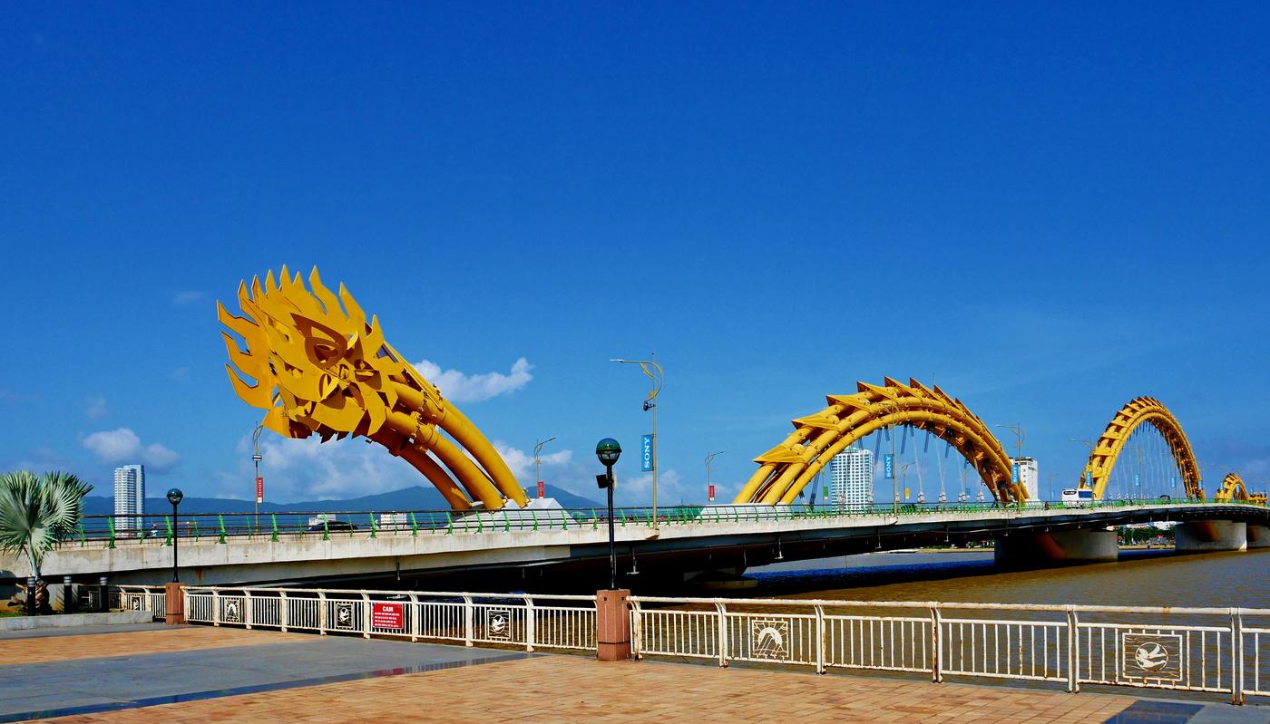 Most přes řeku Song Han