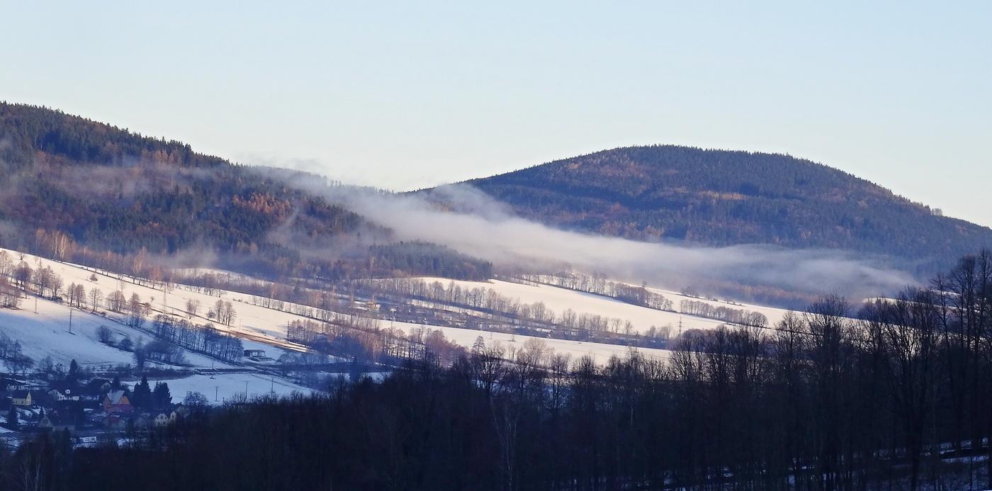 Když mlha ráno stoupá...