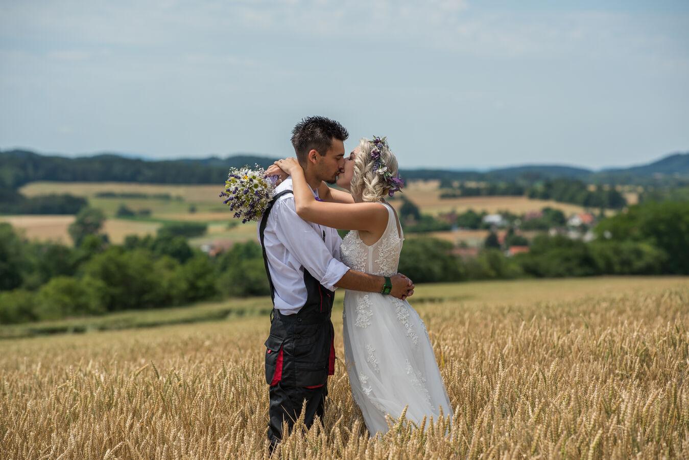 Z jedné krásné montérkové svatby...