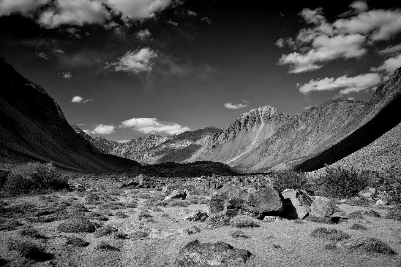 Údolí řeky Andavarja, Pamír