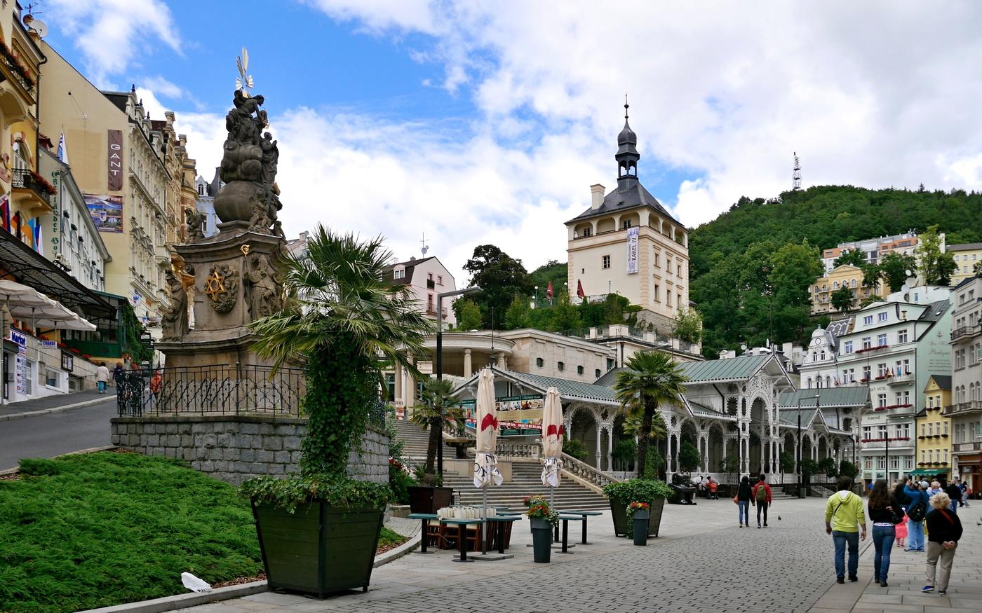 Karlovy Vary v sobotu odpoledne