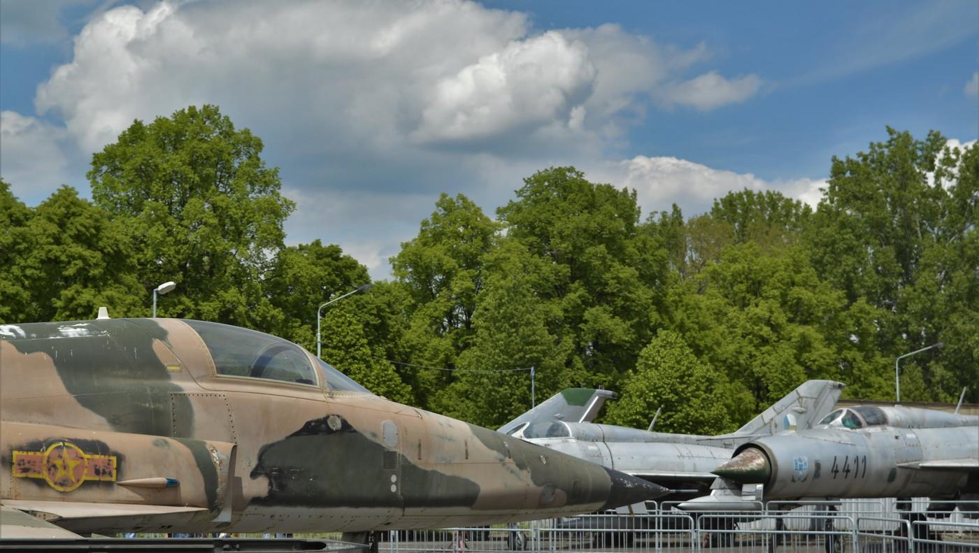Northrop proti MiGu