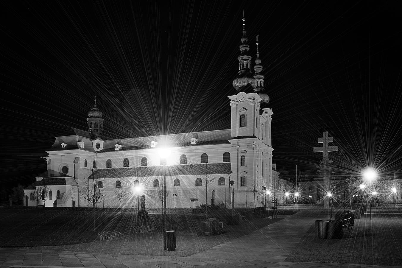 Noční bazilika Velehrad