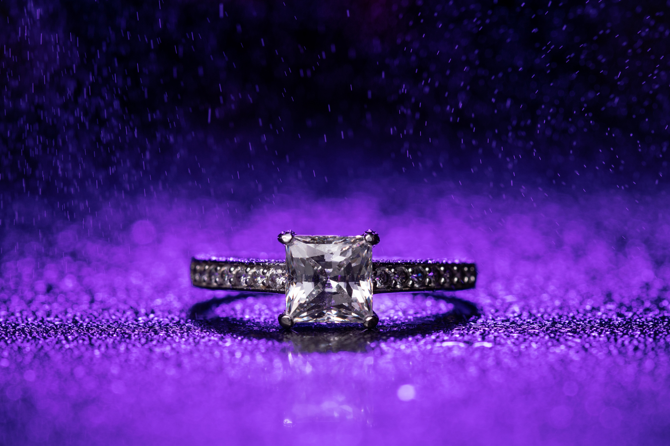 Ten prsten...