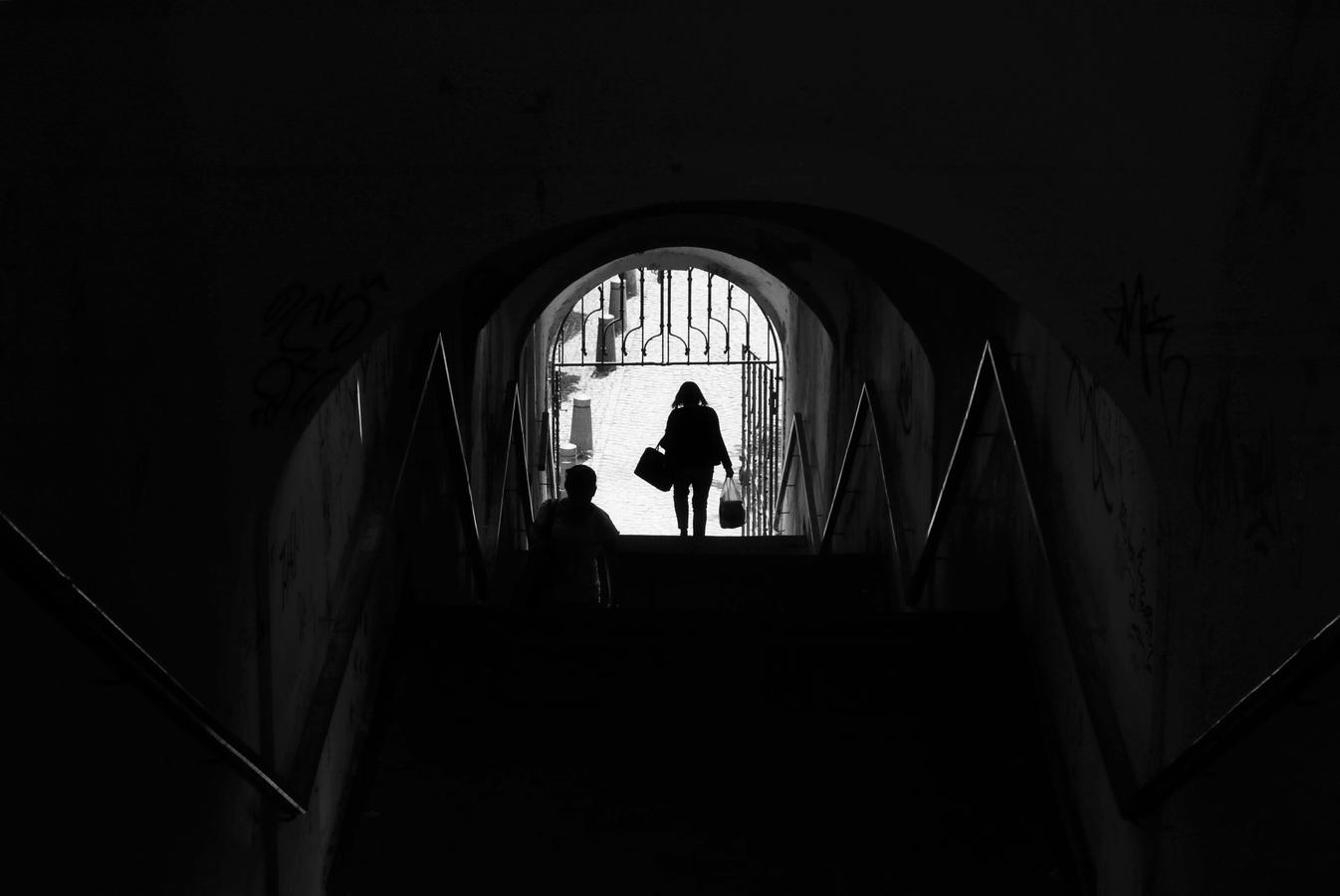 ... na schodech