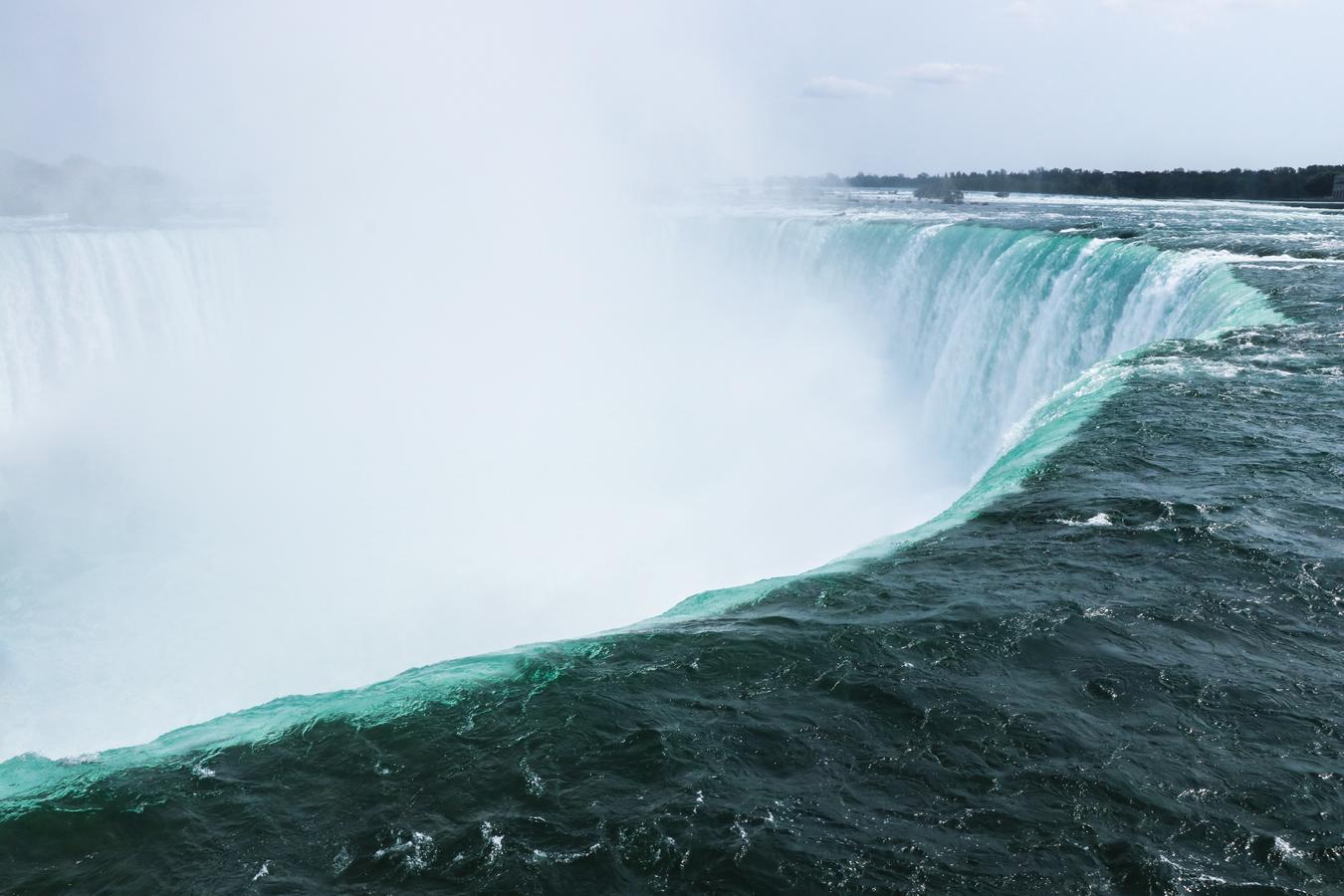 Niagara Falls - přímo u spadu