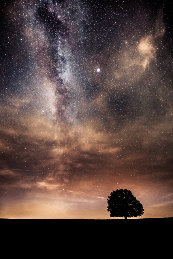 Noc pod širým nebem...