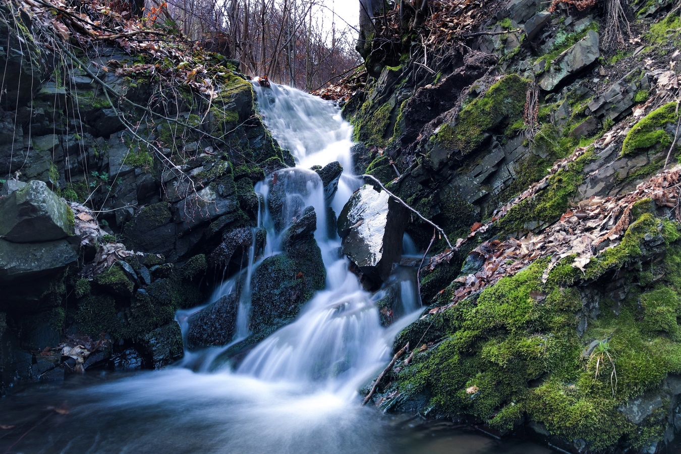 Žabnický vodopád ulovený telefonem