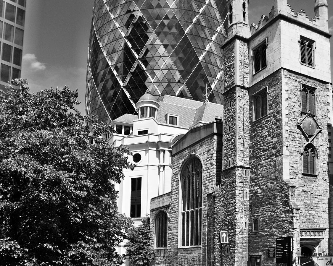 Střet architektur