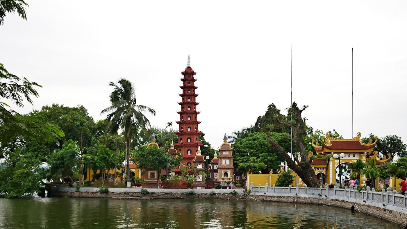 Chrám Ngoc Son u jezera Hoan Kiem