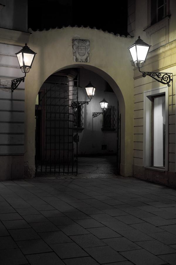Světla lamp