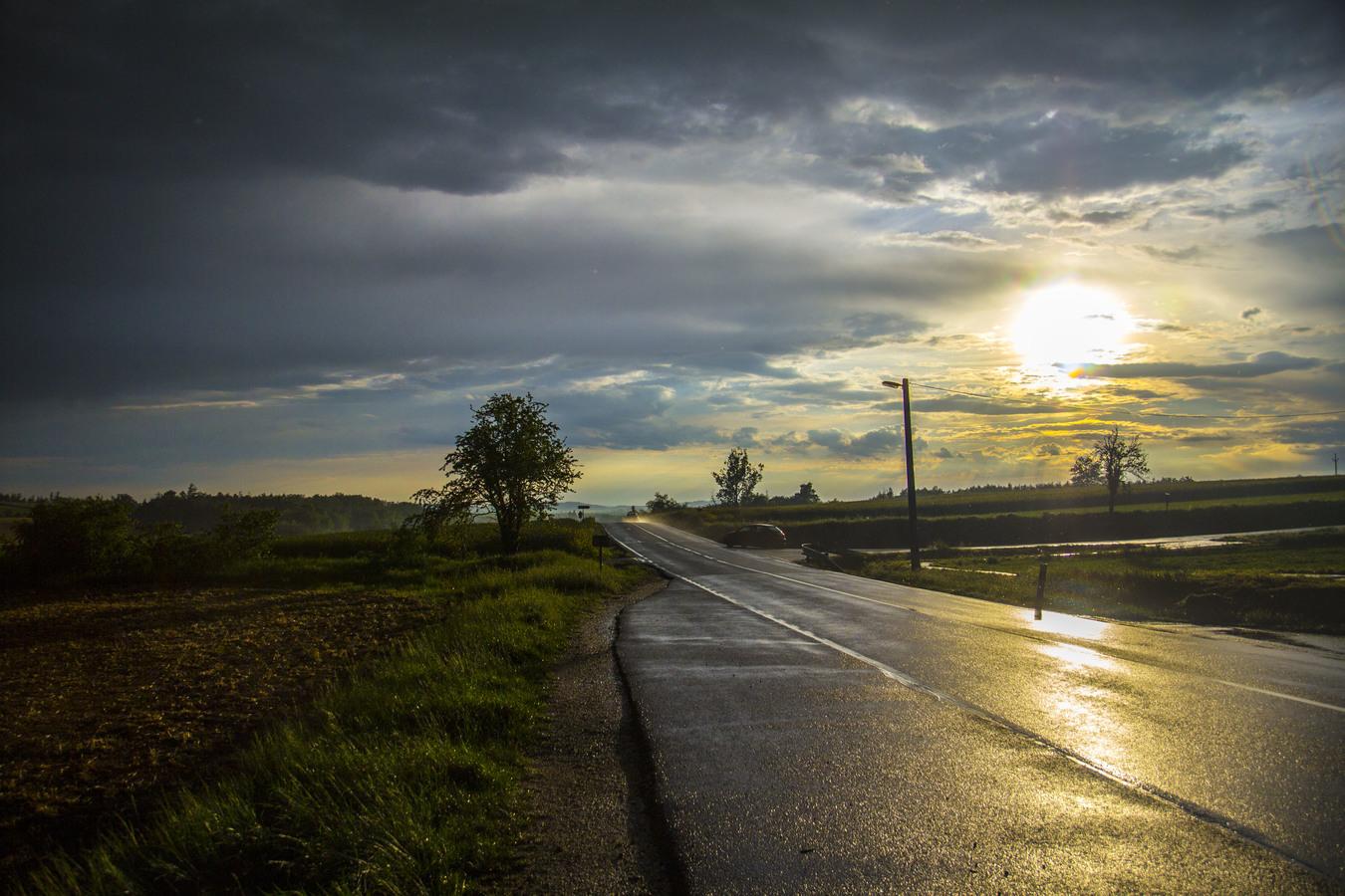 Tajemný západ po dešti