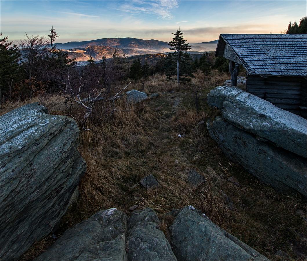 Mrazivé svítání pod Obřími skalami