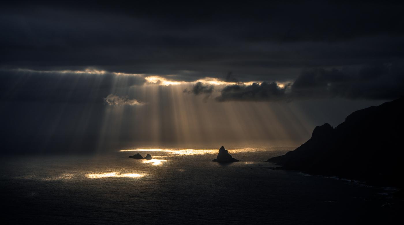 Svítání nad Playa de Benijo
