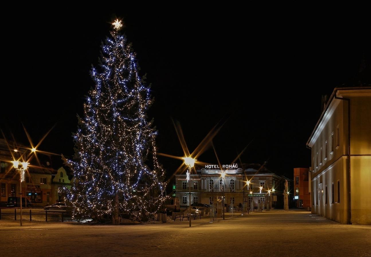 Tiché vianočné námestie
