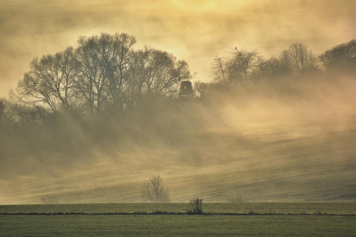 opar a hra stínů při východu slunce