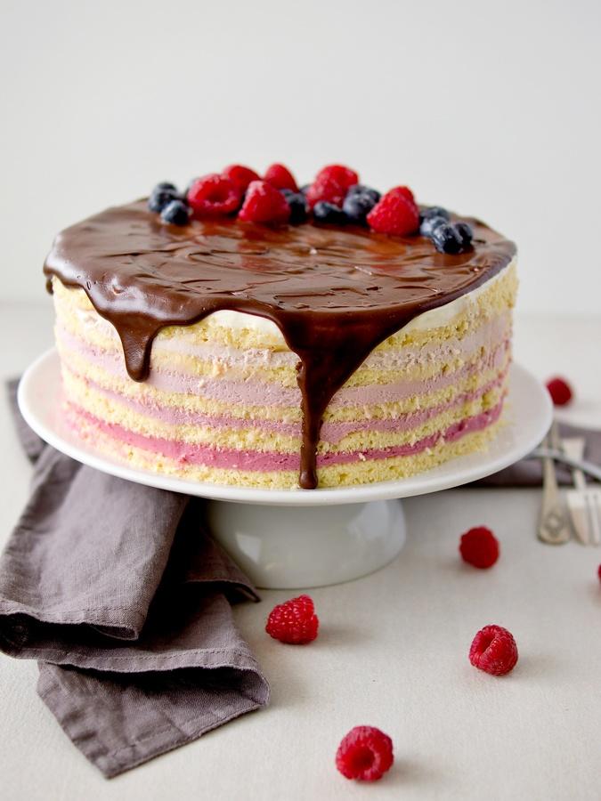 Malinový ombré dort