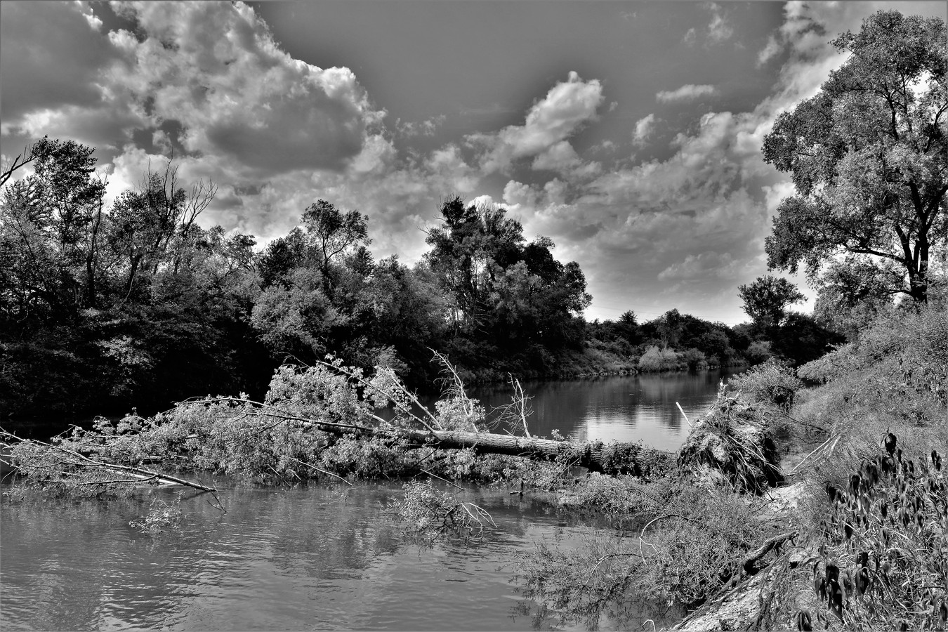 Zahataná rieka.