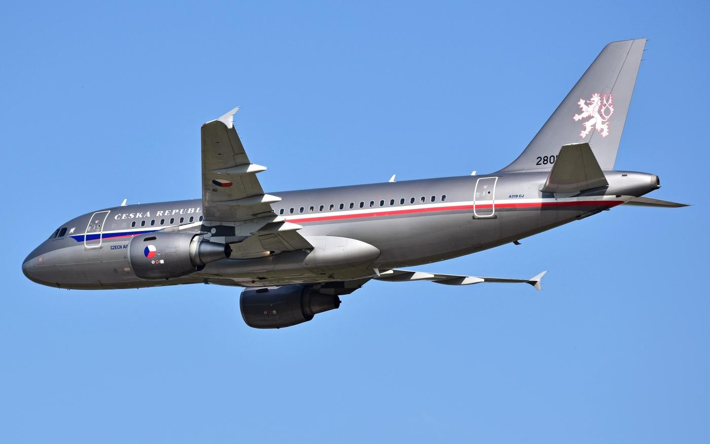 Průlet vládního specialu Airbus A319